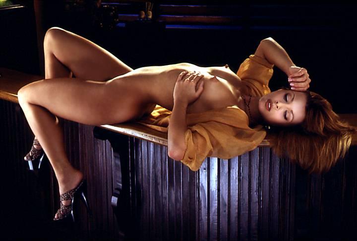 eroticheskie-videoklipi-muzikalnih-ispolniteley-onlayn